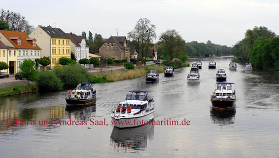 Thementour Finowkanal mit Yacht Charter Heinzig