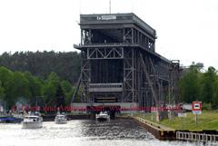 Thementour Finowkanal mit Yacht Charter Heinzig: Schiffshebewerk Niederfinow