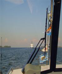Charteryacht Bon Jour geht durchs Haff